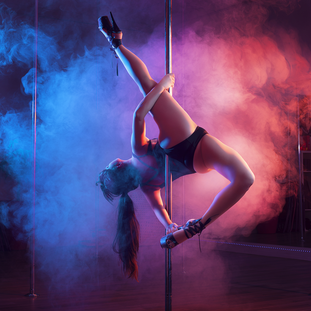 cours de pole dance cerceau et yoga toulouse. Black Bedroom Furniture Sets. Home Design Ideas